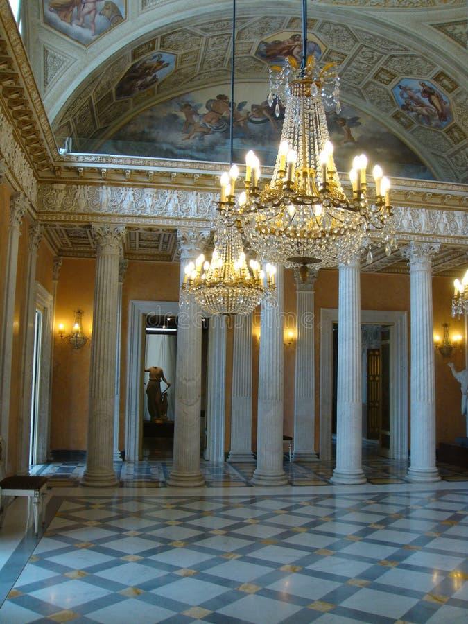在别墅里面Torlonia富有的交谊厅在罗马意大利 免版税图库摄影