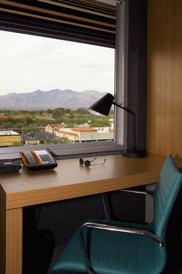 在办公桌修造的旅馆公寓 库存图片