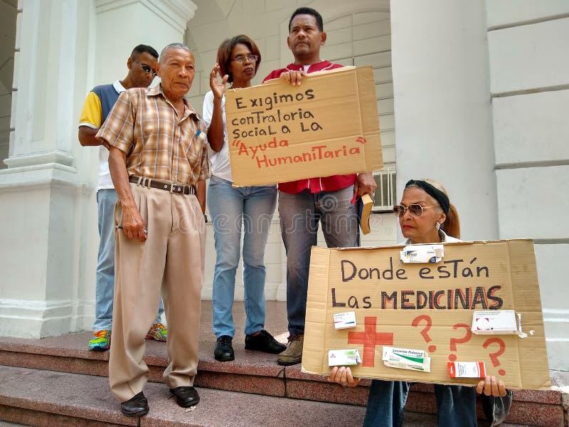 在加拉加斯医学短缺和人道主义援助的抗议 库存照片