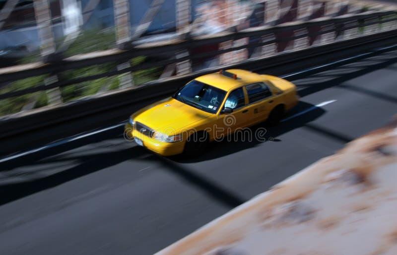 在加速的出租汽车的桥梁 免版税库存图片