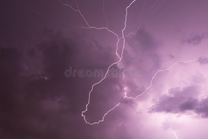 在动乱的预兆的闪电 图库摄影