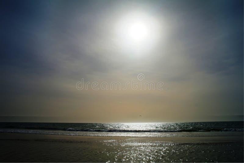 在努瓦克肖特海滩,毛里塔尼亚的日落 免版税库存照片