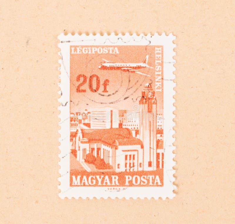 在匈牙利打印的邮票显示在赫尔辛基的一架飞机,大约1970年 图库摄影