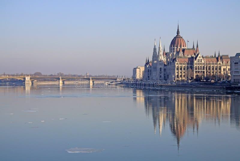在匈牙利议会大厦的看法,布达佩斯,匈牙利 库存照片
