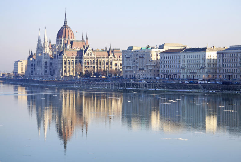 在匈牙利议会大厦的看法,布达佩斯,匈牙利 库存图片