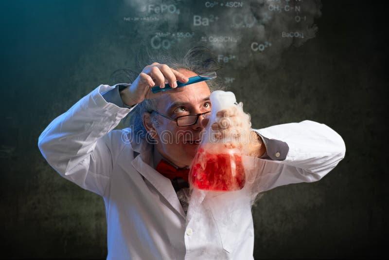 在化学的最后的接触 免版税库存照片