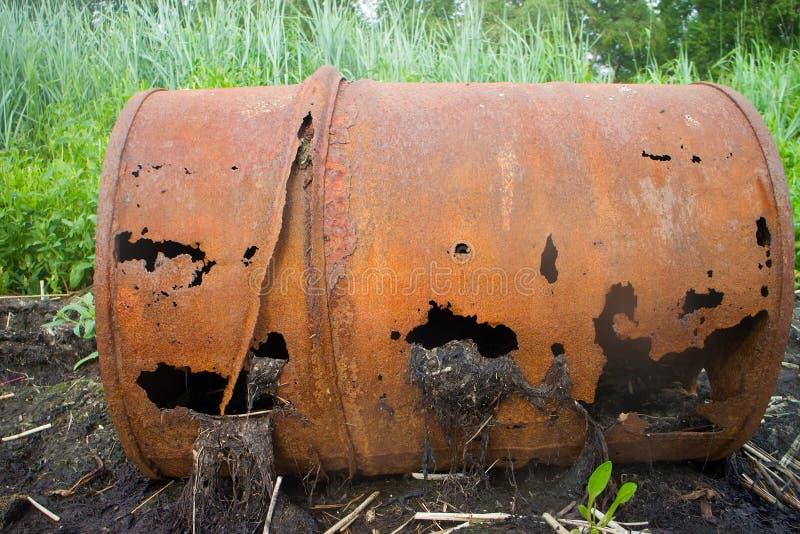 在北极环境污染的空的桶 免版税图库摄影