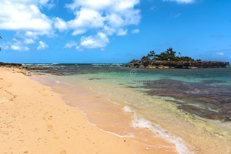 在北部岸,奥阿胡岛,夏威夷的沙滩 免版税库存照片