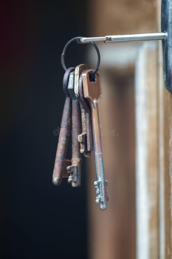 在匙孔的钥匙 库存图片