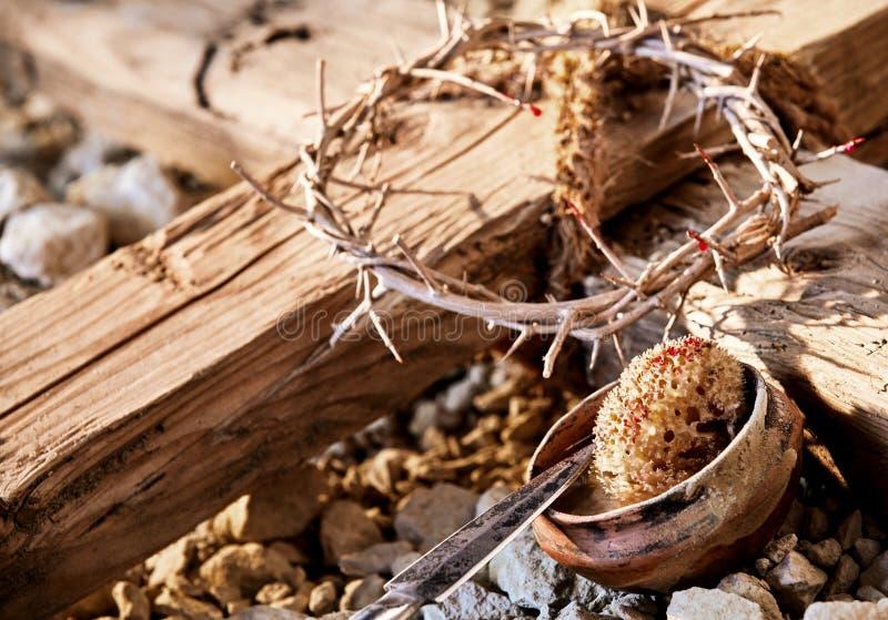 在十字架上钉死标志中的木十字架 免版税库存照片