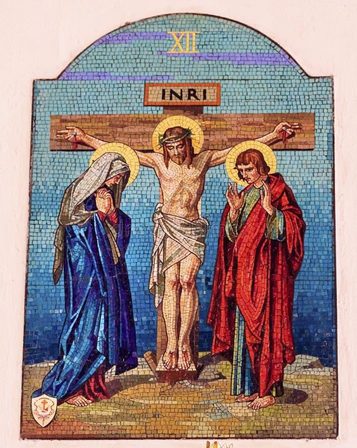 在十字架上钉死马赛克老大教堂瓜达卢佩河墨西哥城墨西哥 库存照片