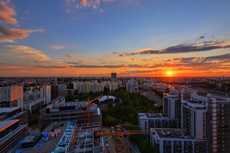 在华沙的日落 免版税库存图片