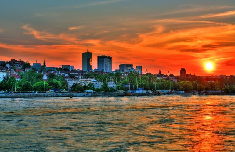 在华沙的美好的日落 免版税库存照片