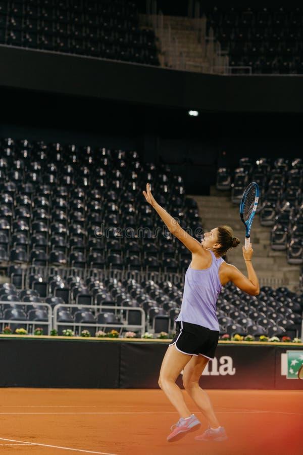 在协会杯2018年罗马尼亚的伊琳娜Begu训练 库存照片