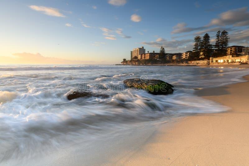 在南Cronulla海滩的日出在悉尼 免版税图库摄影