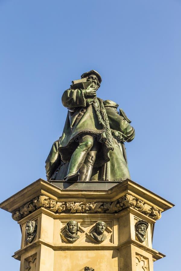 Download 在南Rossmarkt的约翰内斯・谷登堡纪念碑在Fra 库存图片 - 图片 包括有 书目, 信函: 59105927