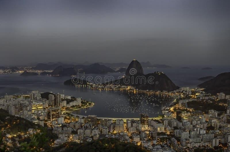 在博塔福戈海湾的黎明在里约热内卢巴西 库存照片