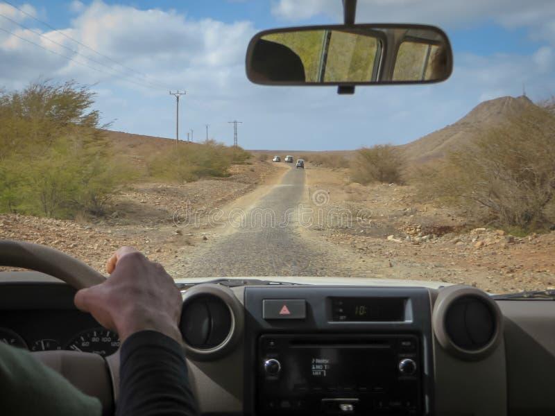 在博阿维斯塔海岛上的越野车游览 免版税库存照片