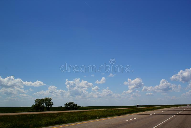 在卡尔加里,阿尔伯塔,加拿大-一次不尽的路/旅途/roadtrip/冒险西部的加拿大横贯公路标题 图库摄影