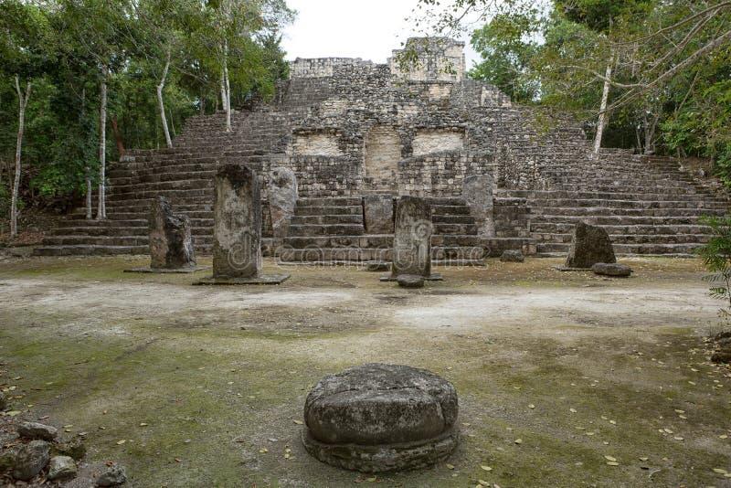 在卡拉克穆尔玛雅人的金字塔破坏墨西哥 免版税库存图片