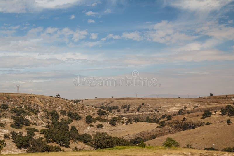 在卡约埃尔考斯del Sitio渡槽附近的农村谷 免版税库存照片
