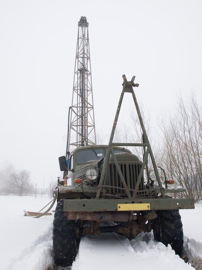 在卡车的移动凿岩机 库存照片