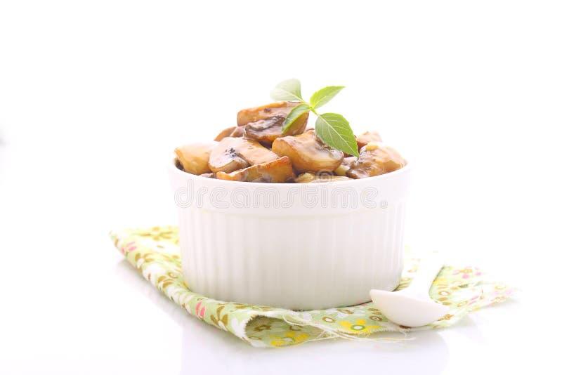 Download 在卤汁的油煎的蘑菇 库存图片. 图片 包括有 汁液, 烹调, 成份, 正餐, 蘑菇, 充分, 美食, 卤汁 - 59109971