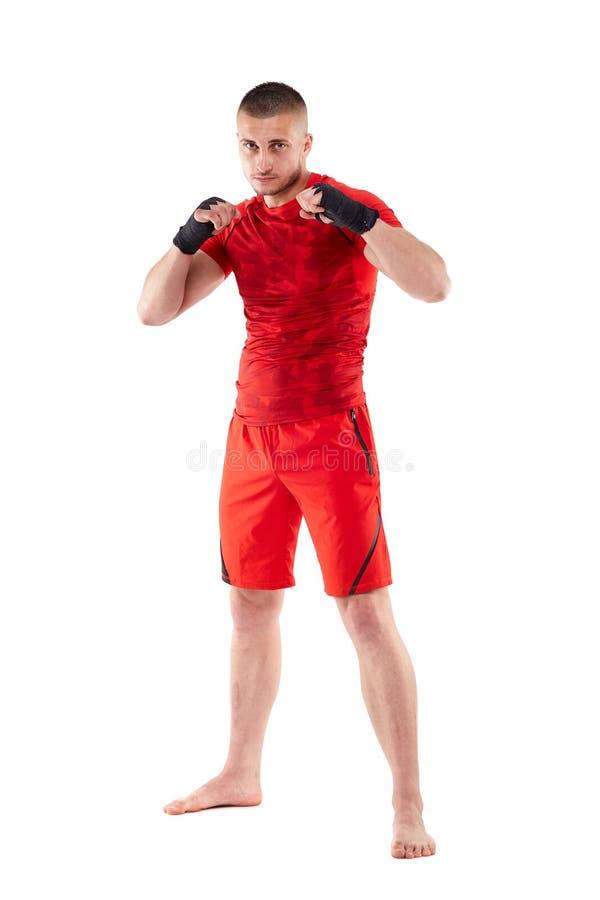 在卫兵姿态的Kickbox战斗机 免版税库存图片