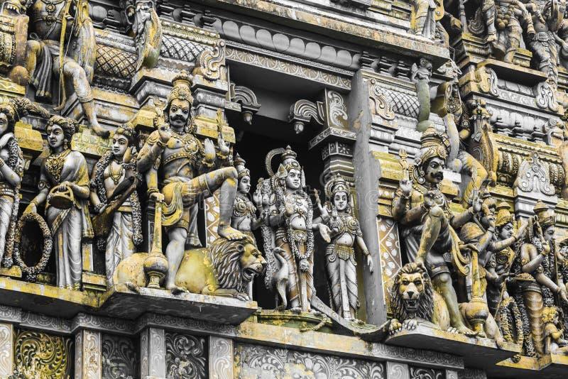 在印度寺庙的塔的特写镜头细节致力了阁下 库存照片
