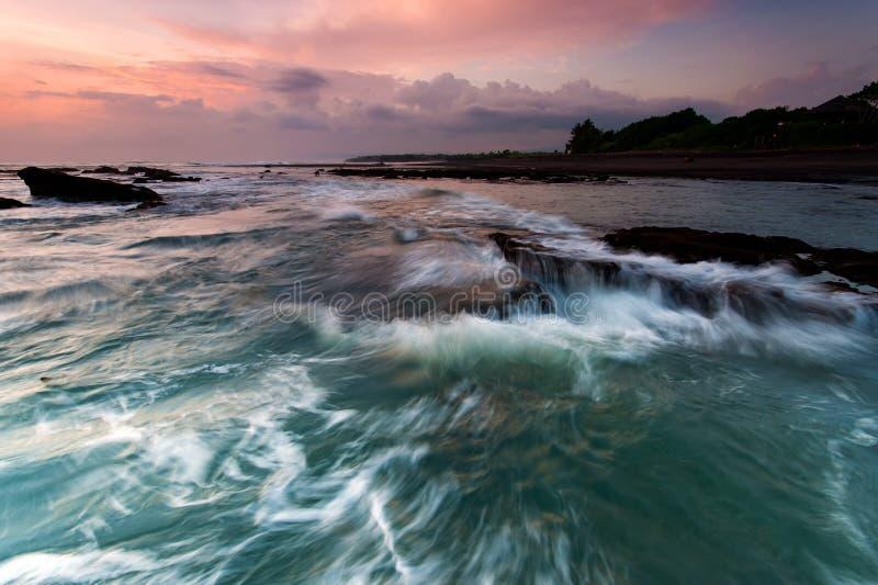 在印度尼西亚巴厘岛海滩的日落 库存照片