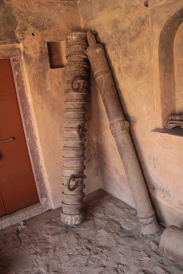 在印度的老历史大炮桶 免版税图库摄影