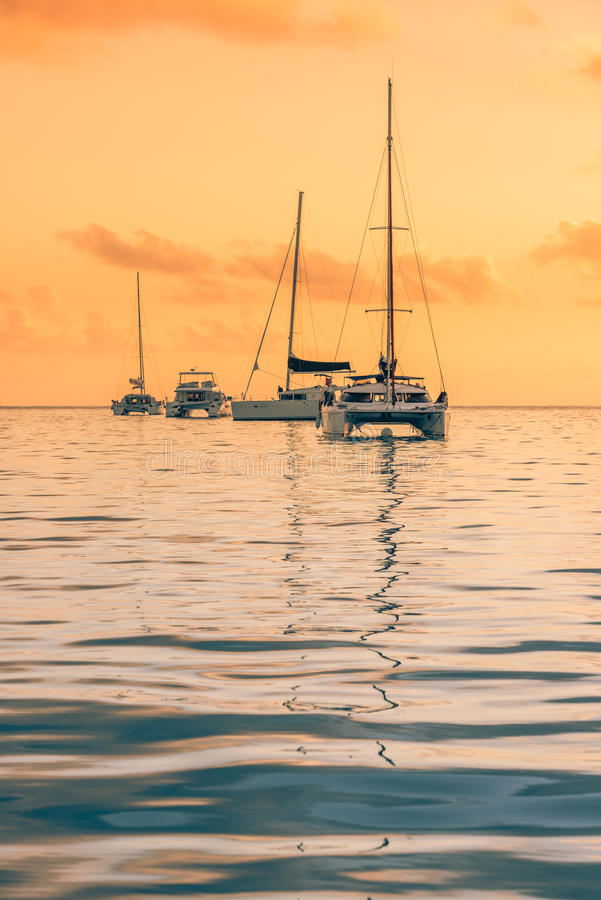 在印度洋的消遣游艇 免版税库存照片