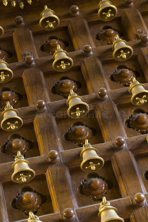 在印度Kapaleeshwarar寺庙的响铃门,金奈,泰米尔纳德邦 图库摄影