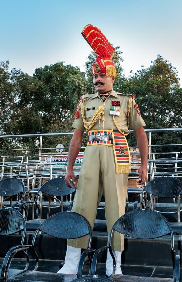 在印巴瓦各赫边界闭幕式的印地安卫兵 库存照片