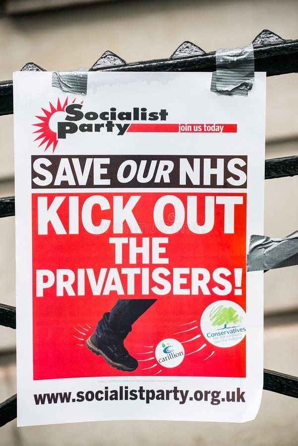 在危机示范的NHS,通过中央伦敦,在NHS的资助不足抗议和私有化的 库存图片