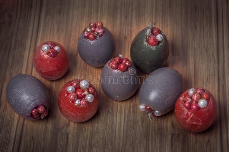 在卵形形状的手工制造华伦泰蜡烛 免版税库存照片