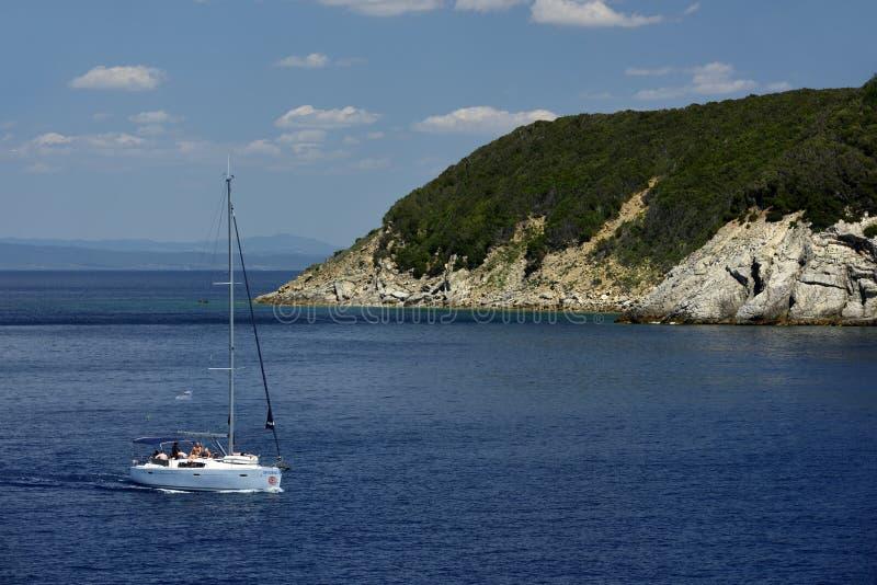 在厄尔巴岛,托斯卡纳,意大利的海岸 免版税库存图片