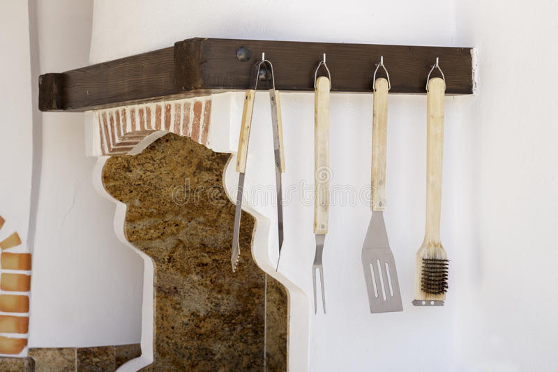 在厨房的木厨房工具 库存照片