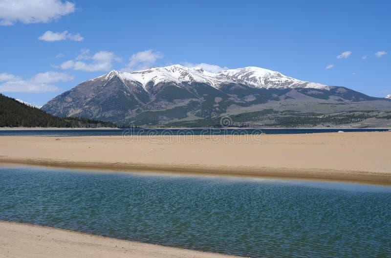 在双湖的Elbert山 免版税库存图片
