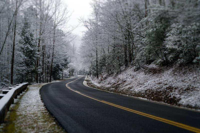在发烟性山的冬天 免版税图库摄影