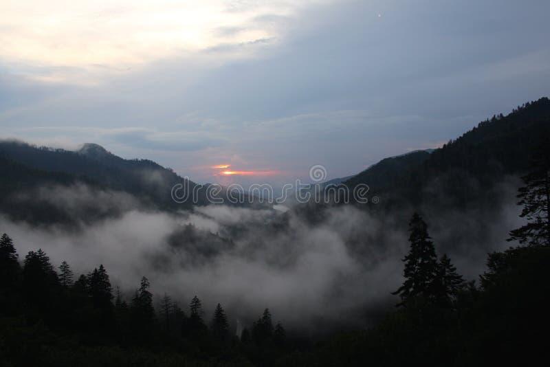在发烟性山的日落,乔治亚 库存照片