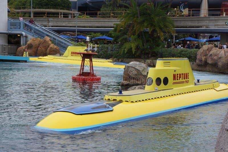 在发现Nemo的迪斯尼乐园的潜水艇 库存图片