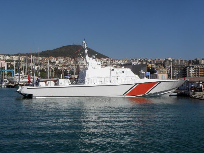 在口岸的巡逻艇 免版税库存图片