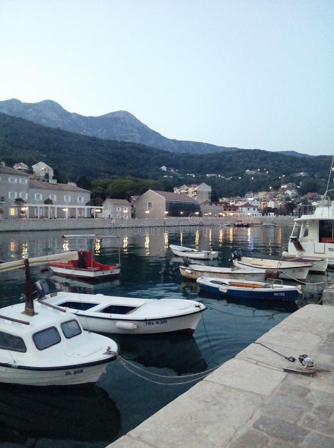 在口岸-黑山的小船 免版税库存照片