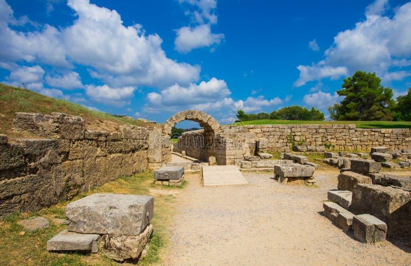在古老奥林匹亚,伊利亚州,希腊的废墟 库存照片