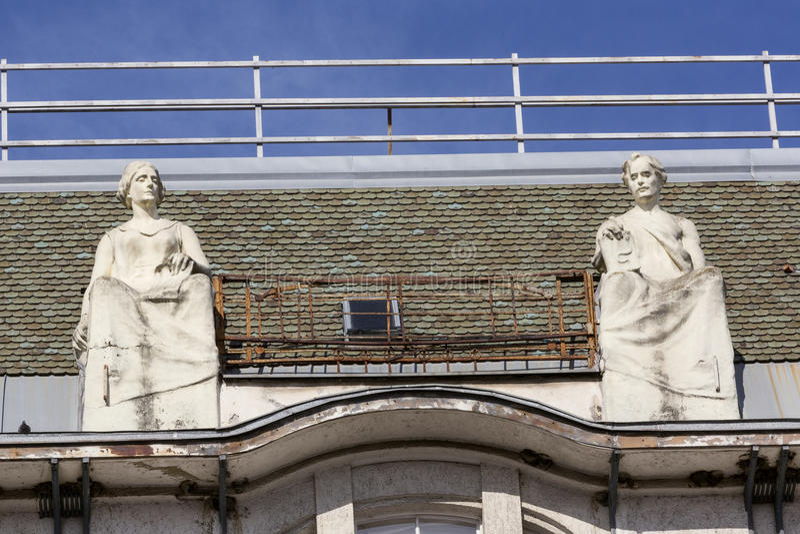 在古老宫殿屋顶的装饰  库存照片
