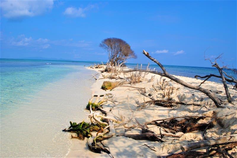 在可爱的鸽子岩礁的一天 免版税库存图片