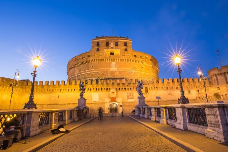 在台伯河河的Sant安吉洛城堡在罗马,意大利 库存照片