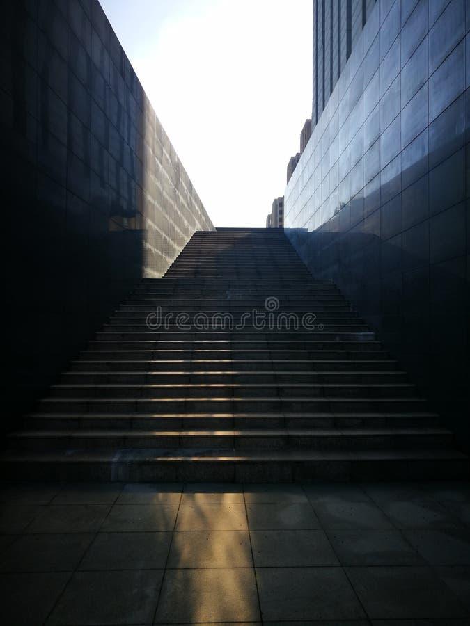 在台阶被反射的被日光照射了 库存照片