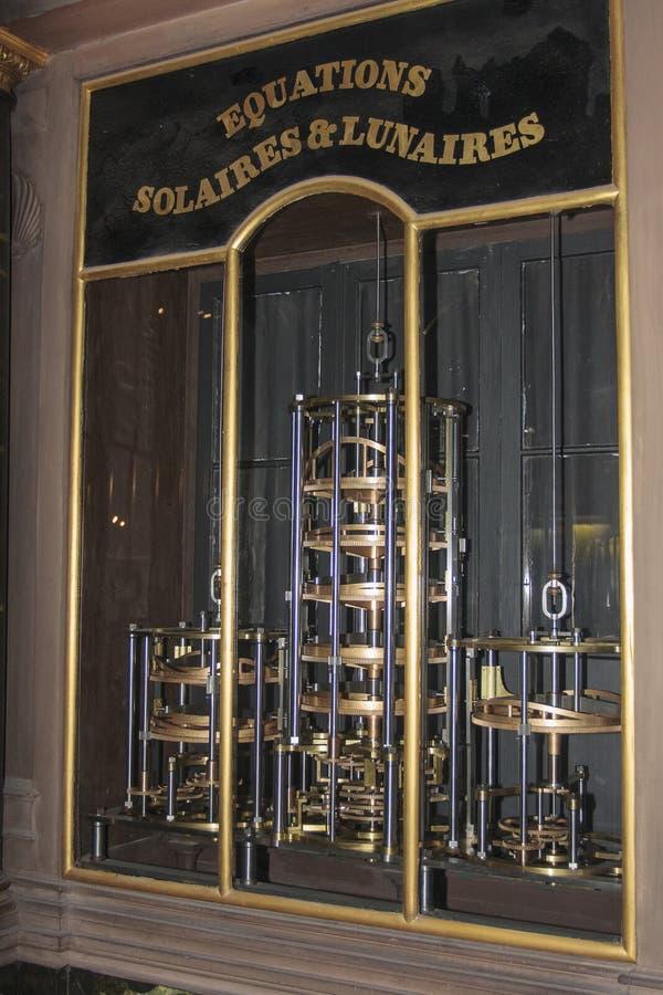 在史特拉斯堡里面大教堂的老时钟在阿尔萨斯法国 免版税库存照片